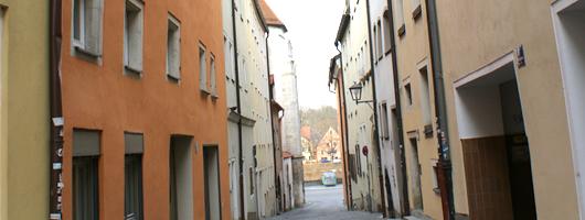Regensburg: The Adam Weishaupt Shelter / Engelburgergasse